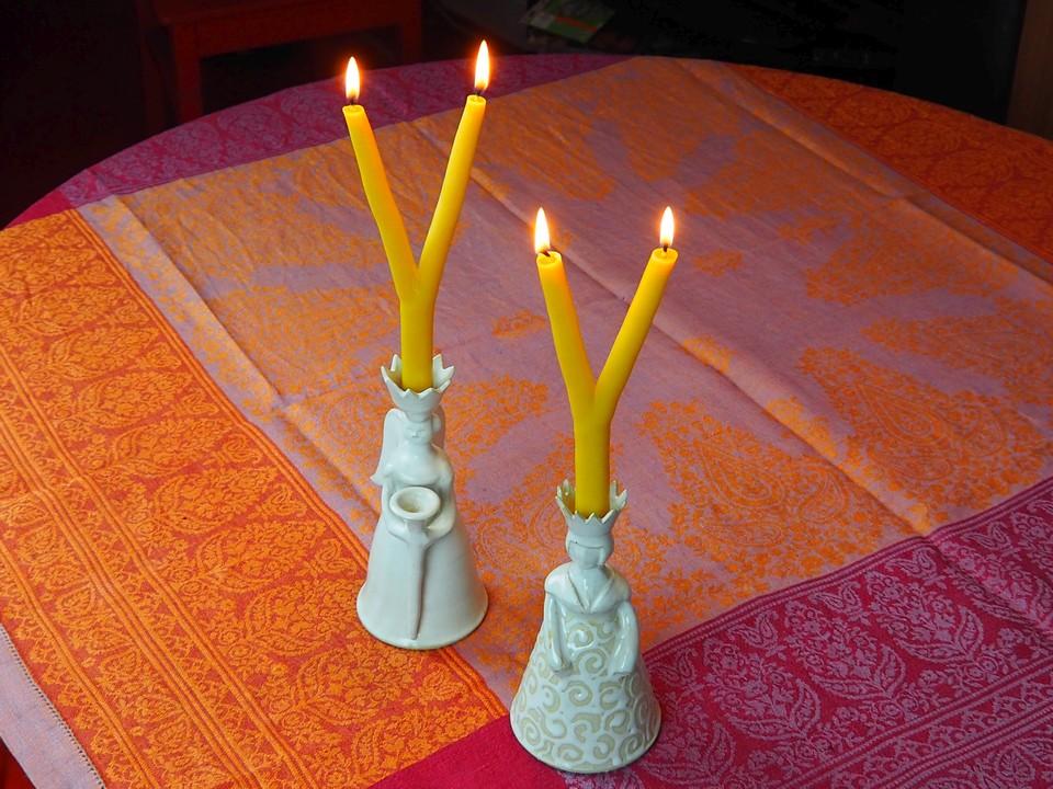 Brauchtumskerzen Ideen Inspiration Deko Kerze zweiarmig Bienenwachs